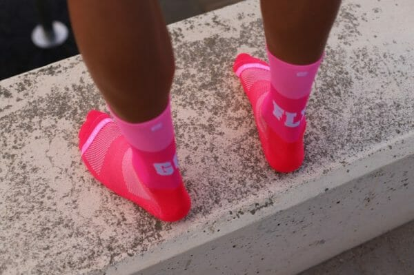 calcetines rosa go fly