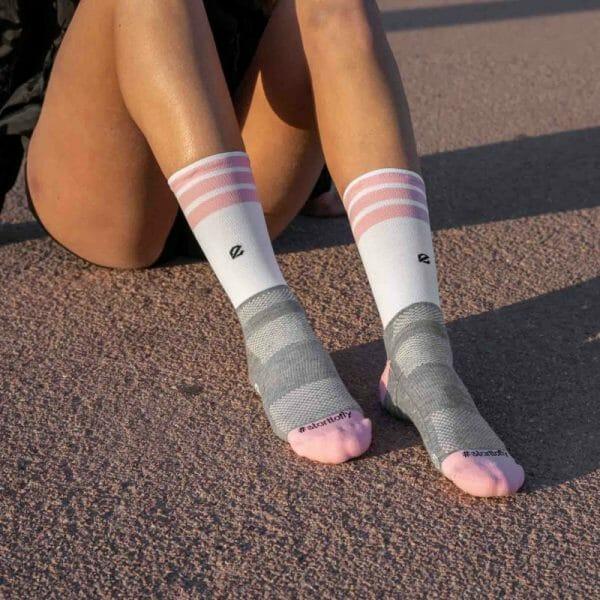 calcetines de colores altos para mujer