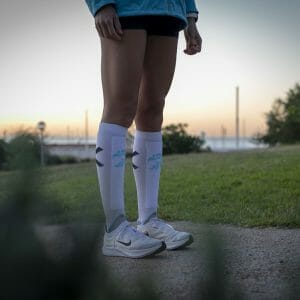 calcetines running altos hombre