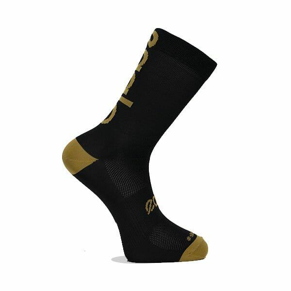 calcetines con mensaje dorados