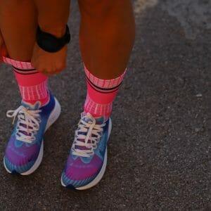 calcetines running fucsia